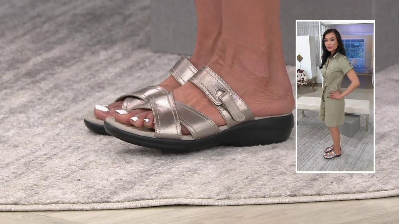Clarks Womens Alexis Art Flat Sandal