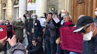 Avignon : près de 1000 personnes réunies en hommage à Samuel Paty