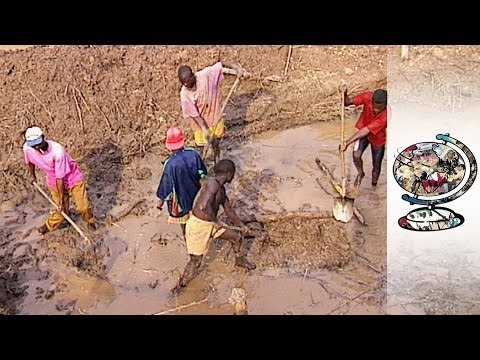 Illegal Diamond Trade Flourishes in Angola (1996)