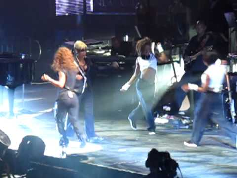 "Justin Timberlake Introduces TLC - ""FanMail"" LIVE"