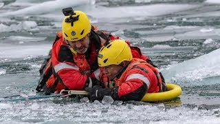 360 video: Ice rescue from the victim's perspective thumbnail
