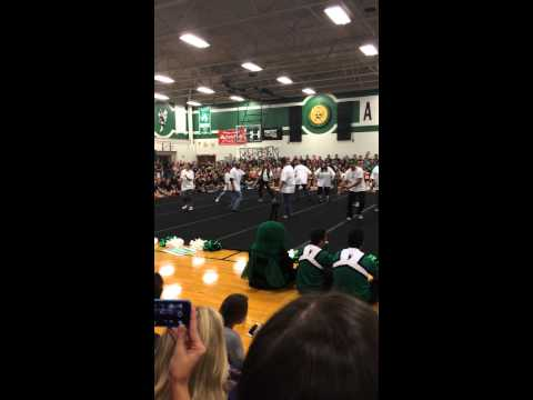 "Azle High School teachers ""Whip and Nae Nae"""