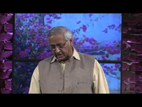 Bunker Roy discusses Barefoot College's mission