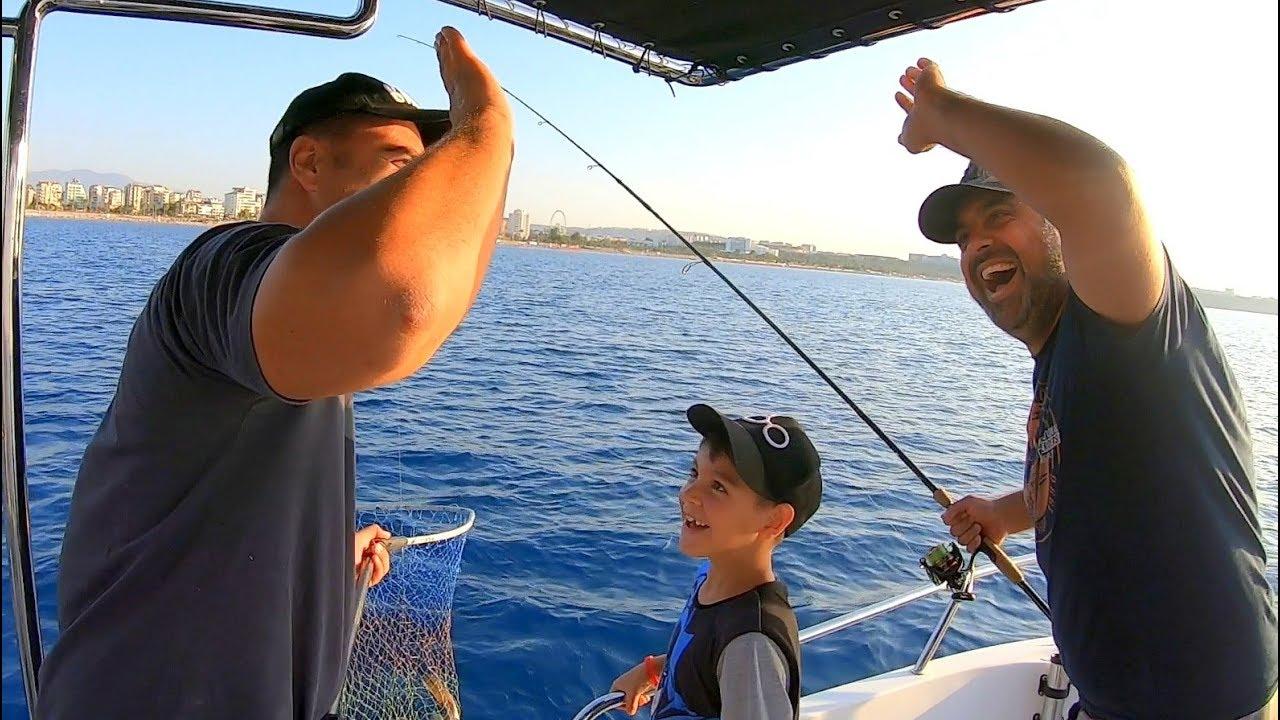Baba Oğul Öyle Bir Canavar Yakaladı Ki !! / Balık Cennetine Düştük