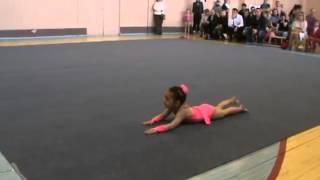 Невероятные гимнастические упражнения 4-х летнего ребенка(Развивающие мультики для маленьких детей., 2013-08-28T19:37:42.000Z)