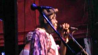 Amandla Tunesmith, Soukous music, live at Skippers Smokehouse