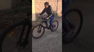 Stunt on bicycle by harsh