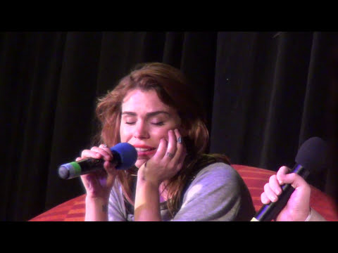 (1/4) Billie Piper Talks About Doctor Who Being a Pop-star and Personal Life 1