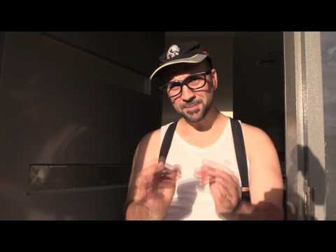 ITALIAN COMEDY - THE SICILIANO'S EPISODE 85 - WHEN WOGS ANSWER THE DOOR