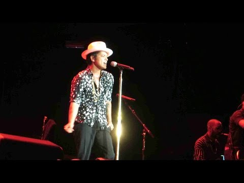 Bruno Mars -  Show Me & Our First Time At Rock In Rio