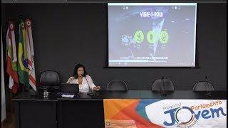 Jovens parlamentares debatem sobre transparência na política