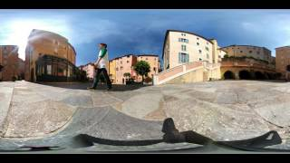 360° video of Grasse plaza.