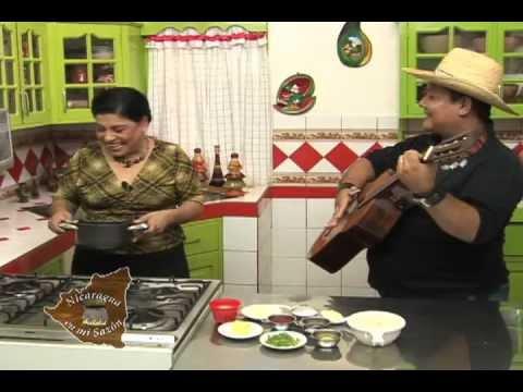 Nicaragua En Mi Sazon Con Maria Esther Lopez Pastelitos De Pollo