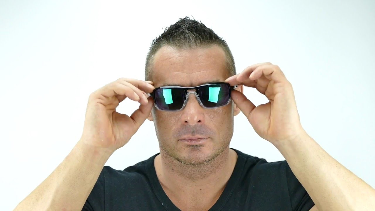 4c70df3e5a5 Oakley Triggerman Polished Black Jade Iridium - OO9266-02 - YouTube