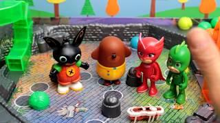 La CUCARACHA LOOP 🐛 Duggee e Bing sfidano i PJ Masks [Challenge]