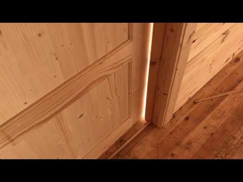 Филенчатая дверь с коробкой
