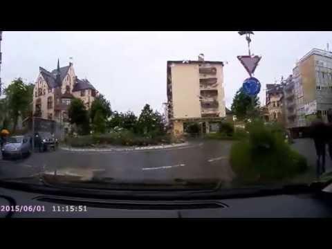Rollei CarDvr -200 wifi Erste fahrt beinahe Crash