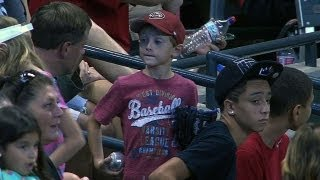 Repeat youtube video Kid misses ball, another gives him souvenir