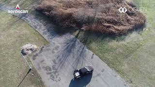 Drone cabeado segue um carro de forma autônoma