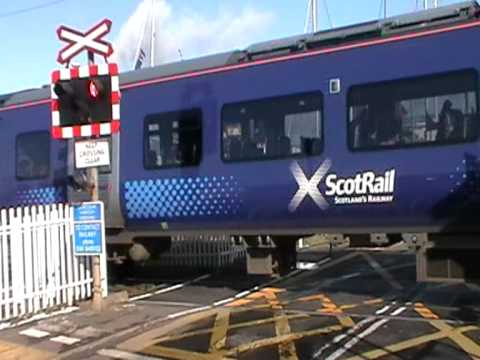 380018 arrives at Ardrossan harbour.