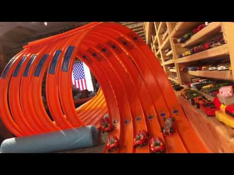 "HOT WHEELS SUPER 6 LANE SUPER LOOP ""Test and Tune"""