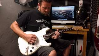 Squier by Fender Bullet Strat Arctic White | Review Demo