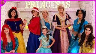 Laurinha é convidada para o chá com as princesas da disney - tea with disney princesses
