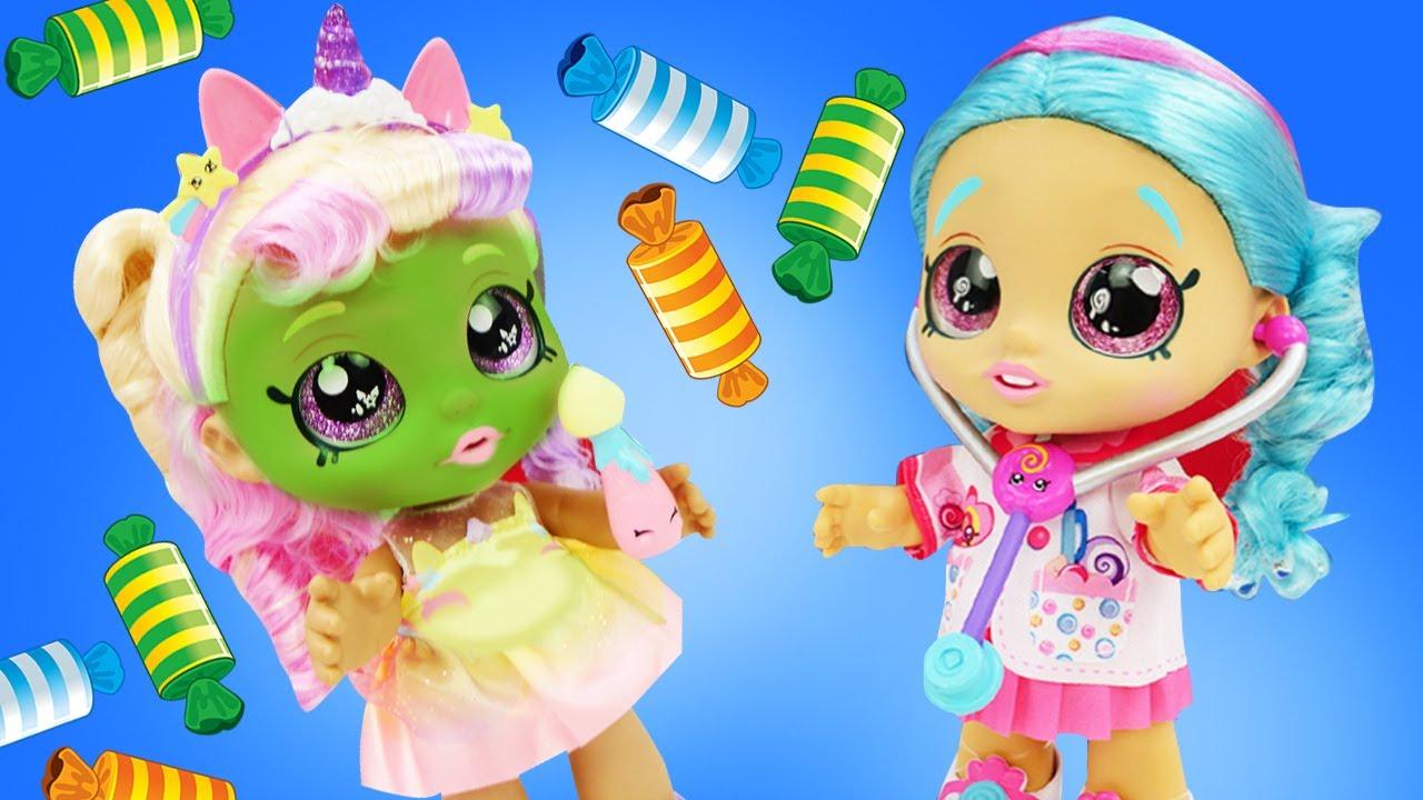 Веселые куклы подружки KINDI KIDS! Куклы для девочек устроили чаепитие - Веселые видео игры