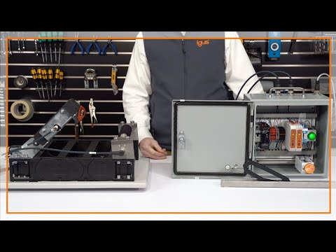 Demonstration of igus smart plastics EC.B and EC.P system