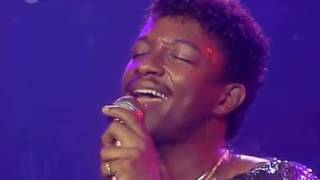 Gambar cover Kool And The Gang - Cherish (LIVE) (1985) (HQ)