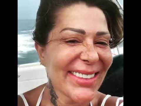 Alejandra Guzmán se muestra completamente al natural