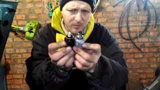 Падают холостые обороты при сбросе газа, двигатель глохнет после нажатия на педаль на моей ВАЗ 2106