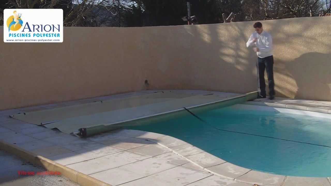 Couverture de piscine rigide top cette couverture bulles for Piscine rigide
