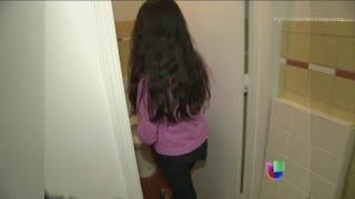 Repeat youtube video Una niña fue violada en una biblioteca en Nueva York - Primer Impacto