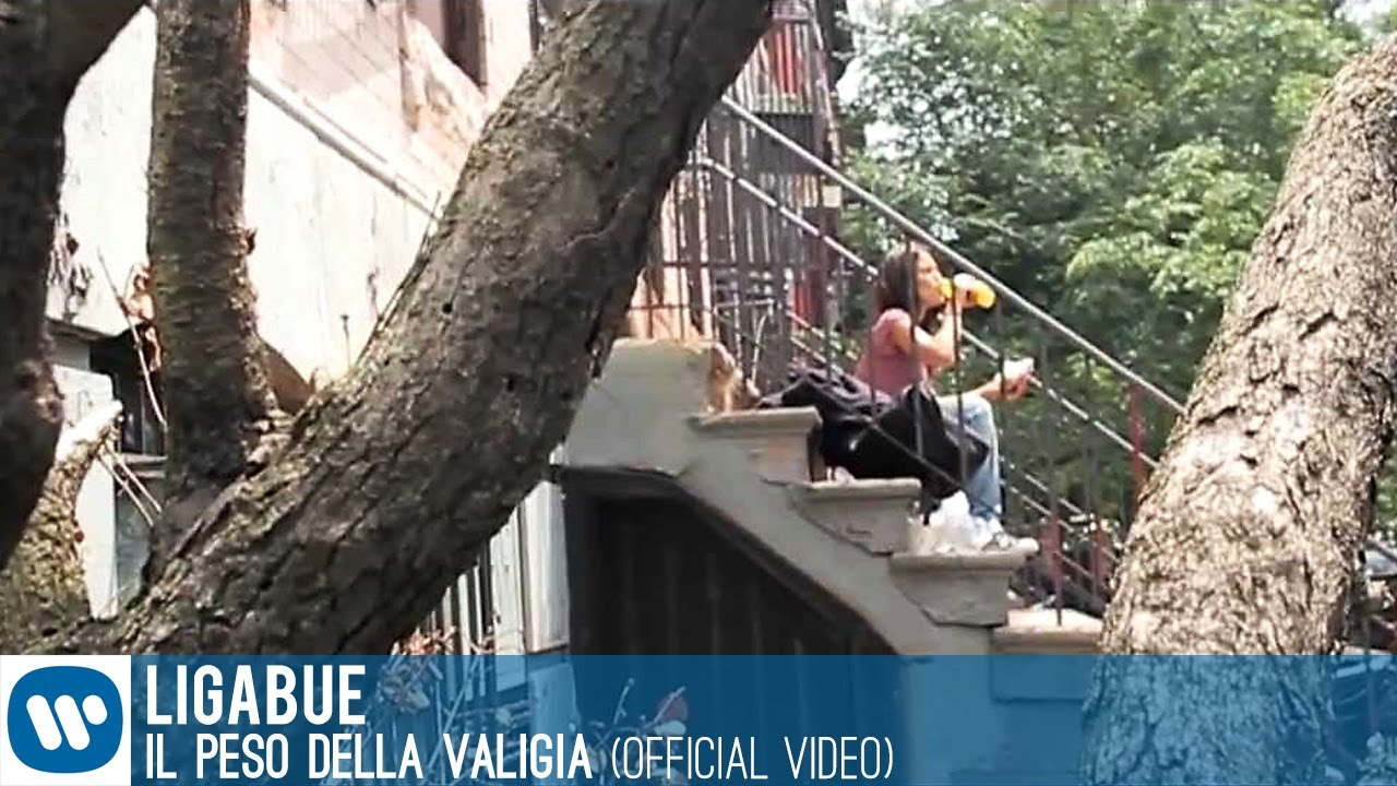 Frasi Ligabue Il Peso Della Valigia.Ligabue Il Peso Della Valigia Official Video Youtube