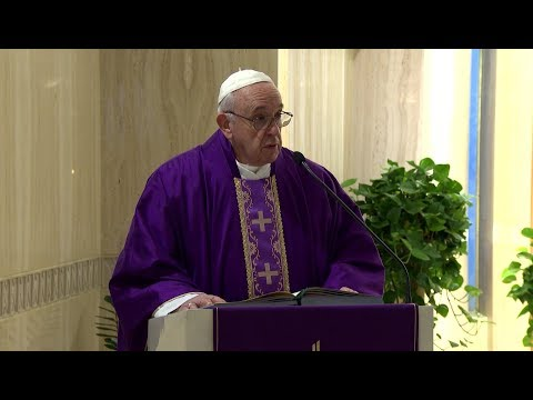 Pope in Santa Marta: complaining and dissatisfaction allows the devil to do his work