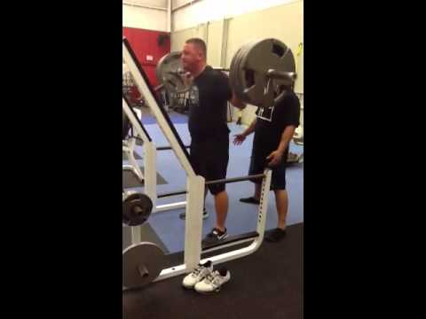 405 lbs Squats with WWE Pro Wrestler Camacho