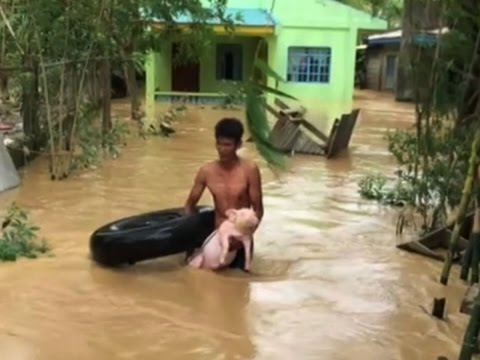 Raw: Philippines Typhoon Kills 11, Strands 1000s
