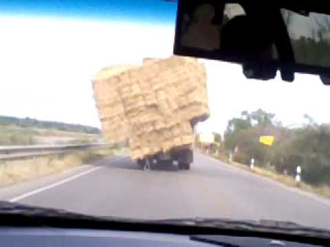 รถบรรทุก ฟาง