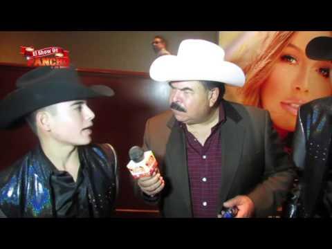 Los plebes del rancho con su nuevo vocalista youtube for Cuarto integrante de los plebes del rancho