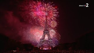 Le bouquet final du feu d'artifice de la Ville de Paris