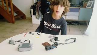 Construction d'une voiture à moteur Lego