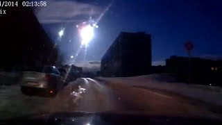 Meteor-like object over Russia's Murmansk caught on dash-cams(Residents of the Kola Peninsula witnessed the fall of a celestial body similar to the famous Chelyabinsk meteorite on Saturday night. It flashed at 02:10 am local ..., 2014-04-19T12:44:07.000Z)