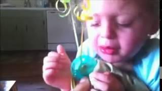 في وداع من تبكي هذه الطفلة؟