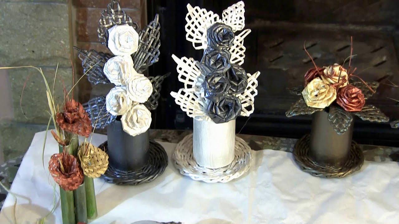 Flores de papel hechas con sus propias manos composicion - Cesteria con papel periodico paso a paso ...