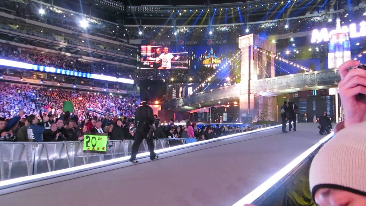 WWE WrestleMania 29 - CM Punk and The Undertaker ENTRANCE ...