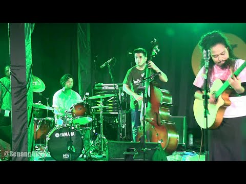 Payung Teduh - Angin Pujaan Hujan @ Ear Night 2014 [HD]