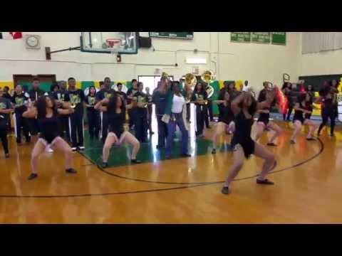 Surrattsville High School Ms.Bobo Dances w/ Auxiliary Dancers