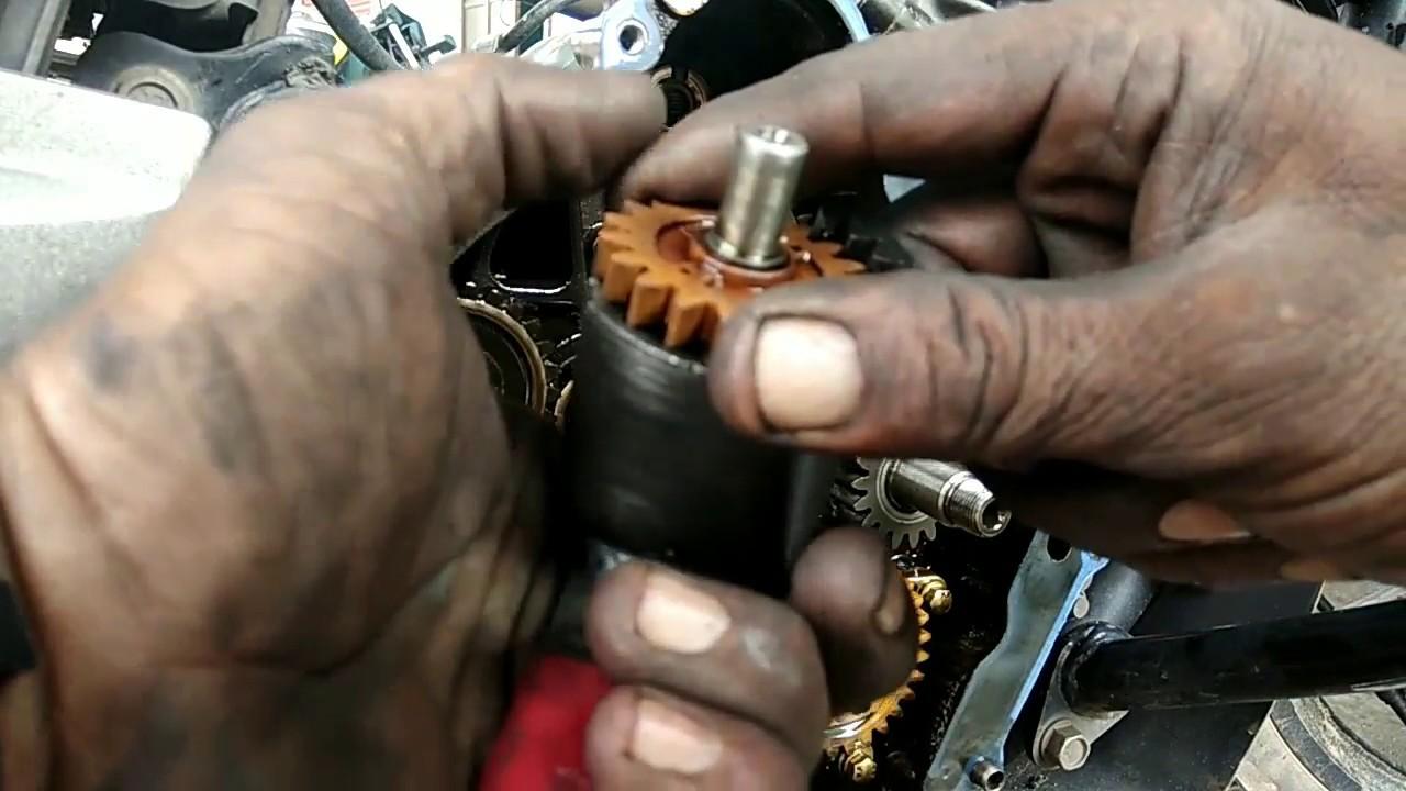 Bajaj pulsher install scissor gear