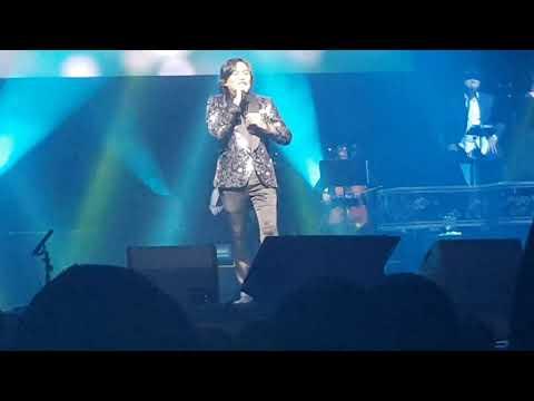Free Download Sedetik Lebih - Anuar Zain (live At The Star Performing Arts Centre) Mp3 dan Mp4